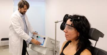 Transcranial magnetic stimulation for the treatment of aphasia